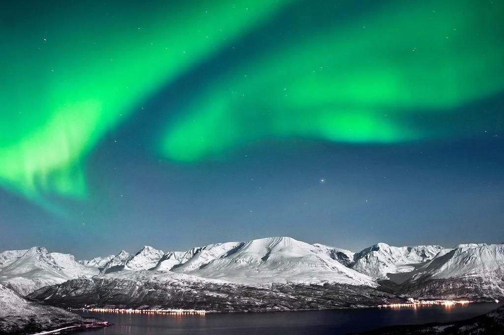 arctic-circle-northern-lights