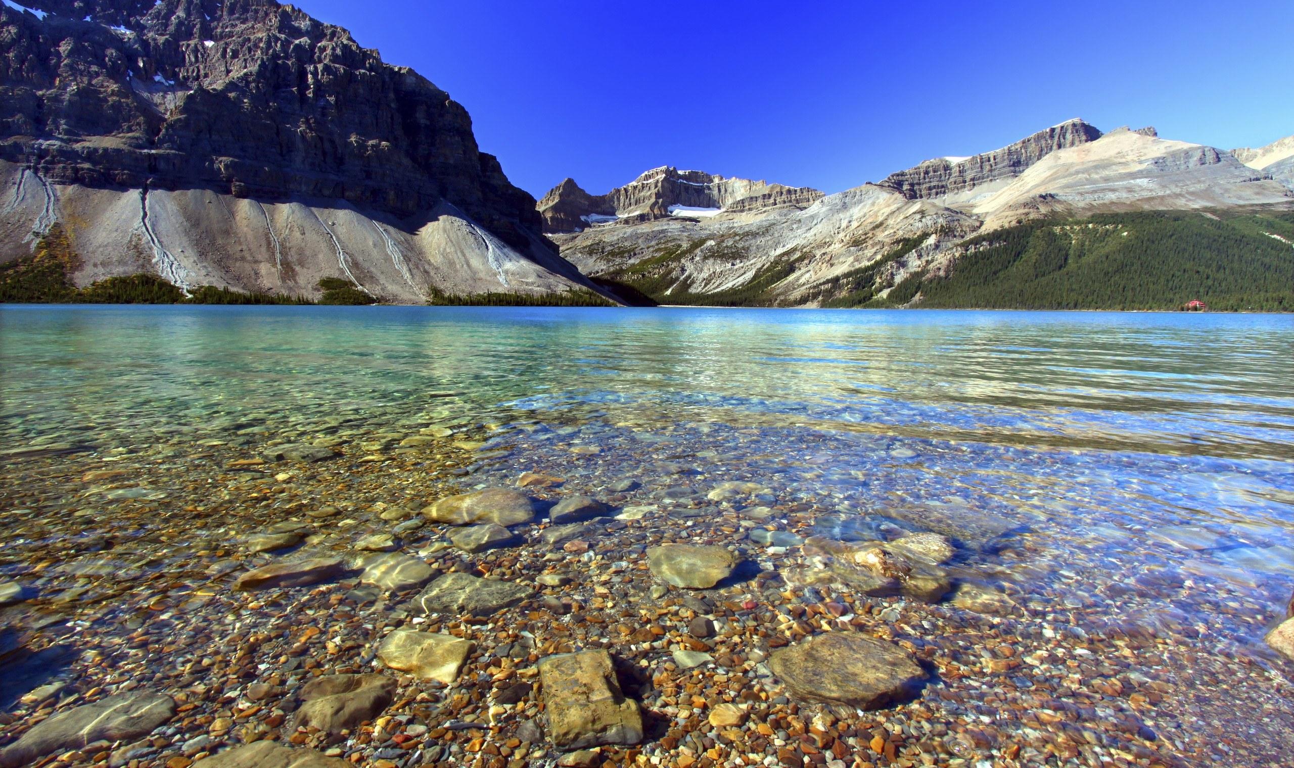 Bow lake in Alberta, Canada