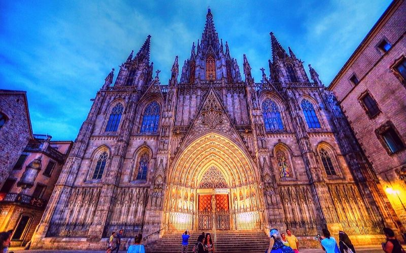Barcelona Cathedral at night