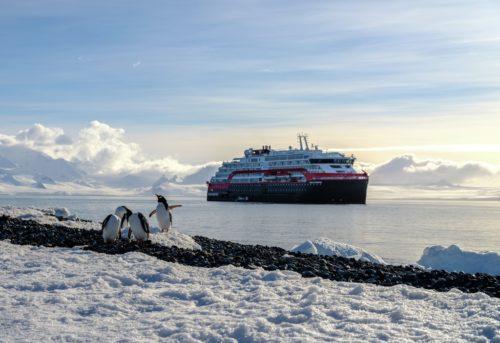 Hurtigrtuen Expedition cruises
